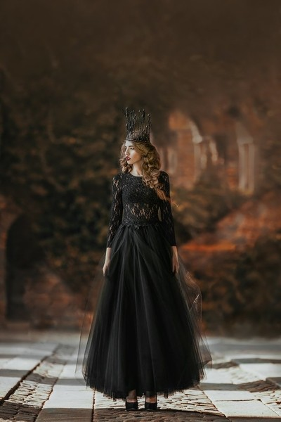 evil (good) queen