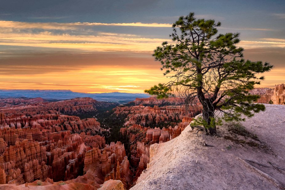 Sunrise at the Bryce Canyon.  https://bit.ly/NationalParkPhotos  Nikon D810 ISO100 ƒ/22 2sec 15m...