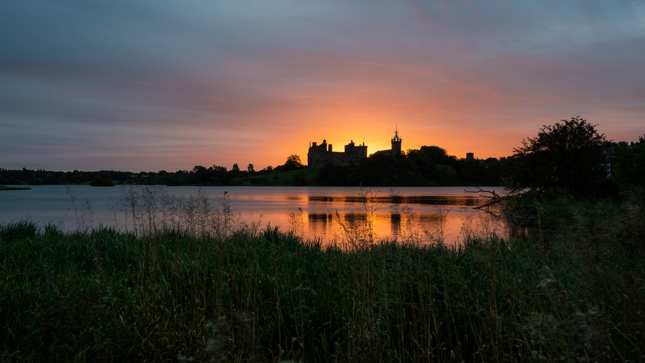 Linlithgow Palace at sunrise