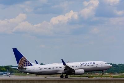 United Airlines Boeing 737-824(N76503)