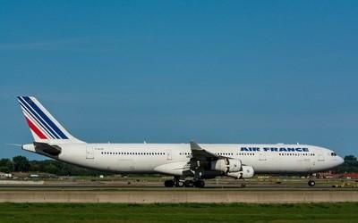 Air France Airbus A340-313(F-GLZU)