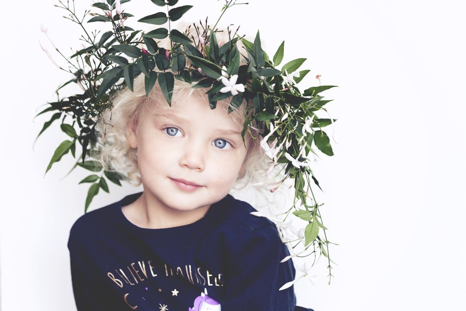 Princess blue eyes and her jasmin crown