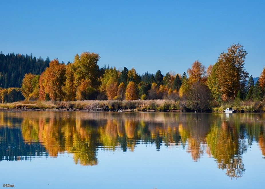 Late morning at a boat launch on the Coeur d'Alene River