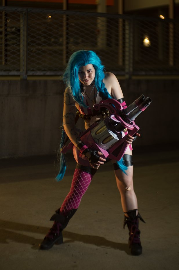 From a cosplay photoshoot at Otakuthon, Montreal.  Model: Ryou Cosplay, as Jinx, from League of Legends