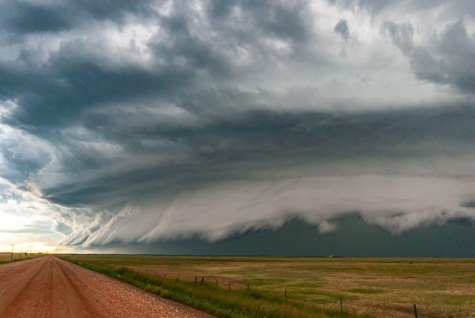 Strong shelf cloud on a grapefruit size hail dropping supercell over western Saskatchewan, Canada...