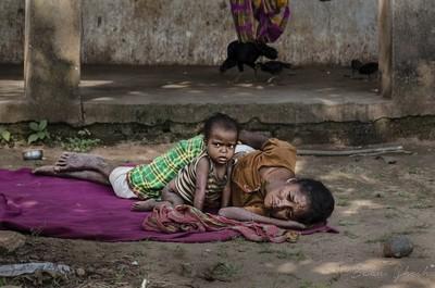 Sabar Tribal- Mother N Child