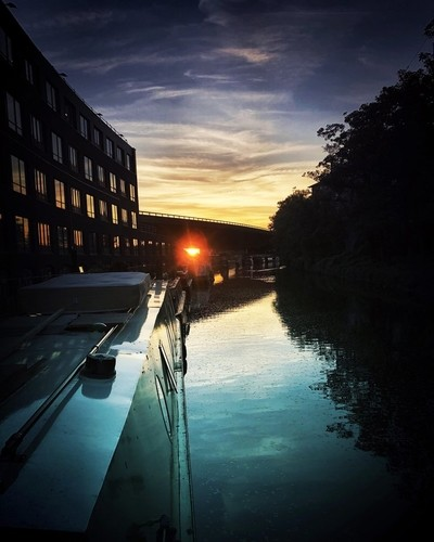 Dusk on the canal in London ????