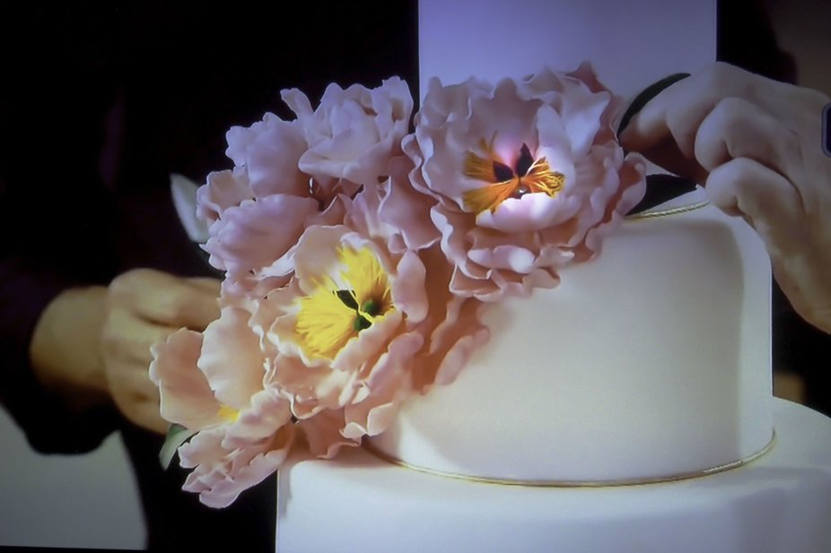 cake decoration. blooms look real and beautiful. tastes delicious