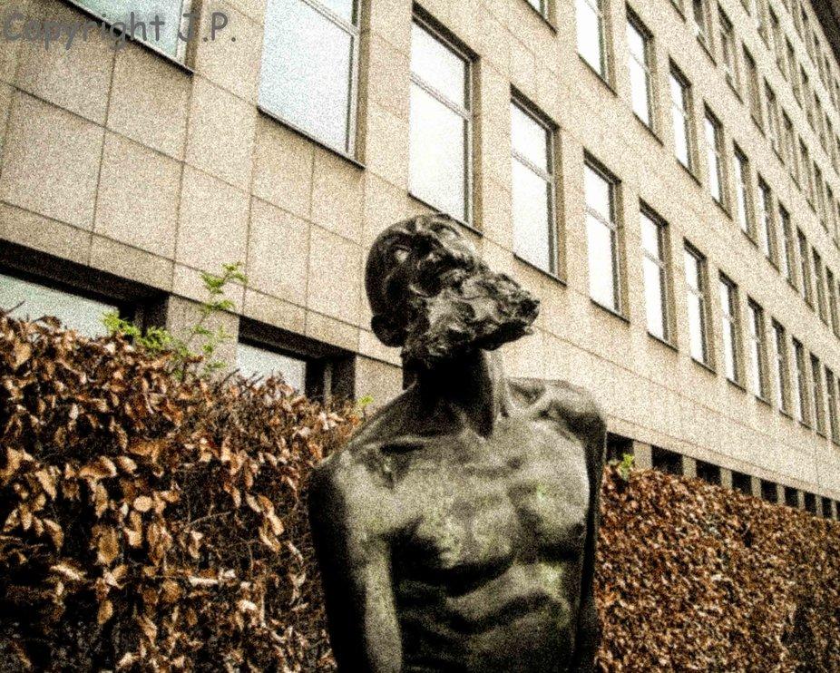 statue ZZV (1 of 1)