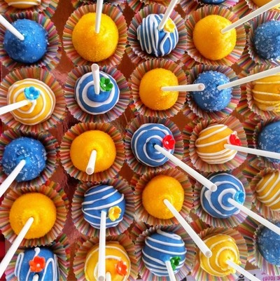 Cake pops.  Nellies Seeets and Treats