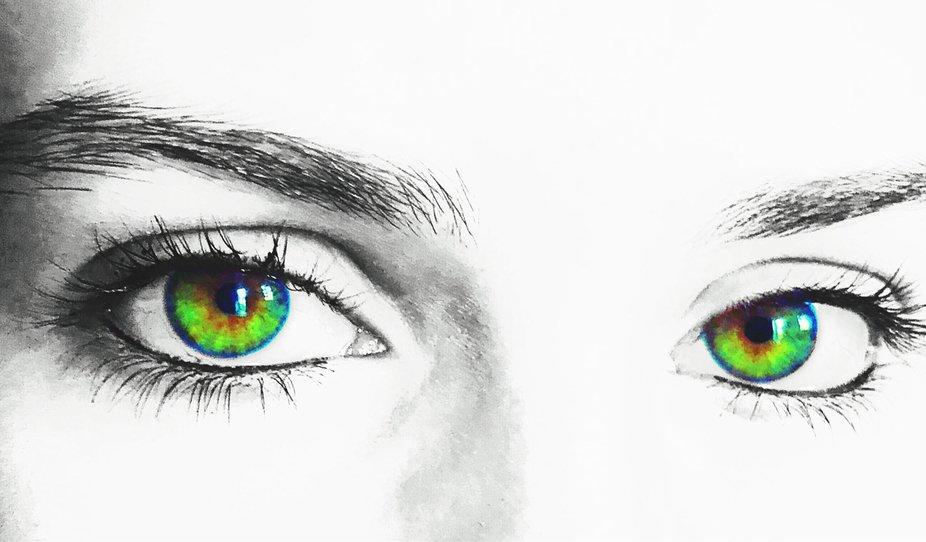 Baby got green eyes