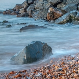 I seen these rocks when I was walking at lyme regis, I thought I could get a nice shot please tell me what you think...