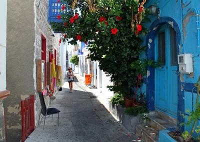 Narrow streets of Mandraki. Nisyros Island, Greece. Photo 02.
