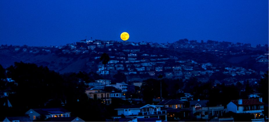 Bad moonrising over Laguna Beach