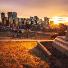 I heard Lion Statue is complete in Calgary and it is currently sitting on Rotary Park. After work, I drove there from downtown where I work. I fo...
