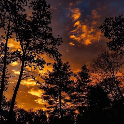 Sunrise from the deck.  #trailsend #sunrise #viewfromthedeck #firstlight #sunrisephotography #outthebackdoor #backyardnature #canon_photos #canonphotography #canonwhatelse #got_greatshots #best_skyview #ig_eternity #shot_flair #magic_shots #zonephotograph