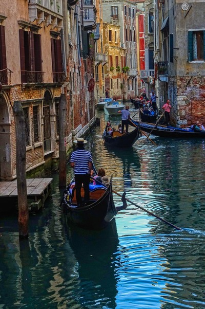 Gridlock Venetian Style