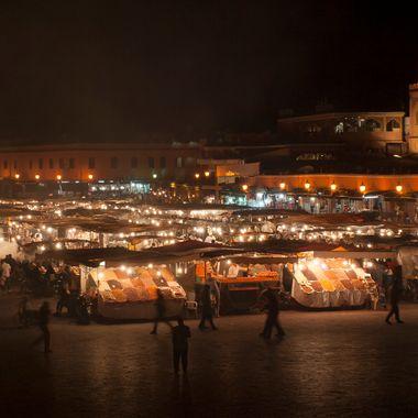 Atardecer en la plaza de Jema Fna en Marrakech.Marruecos