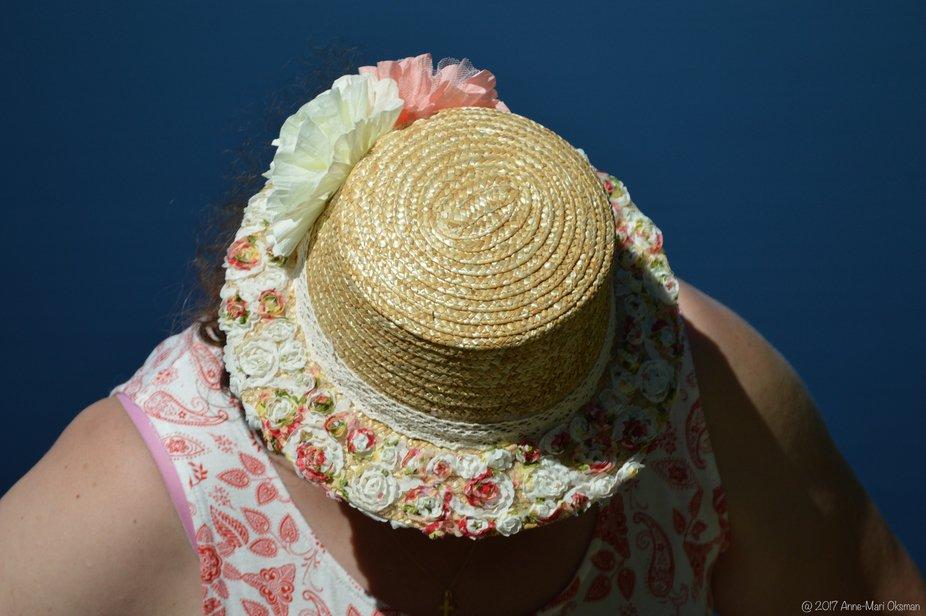 Summer hat romance
