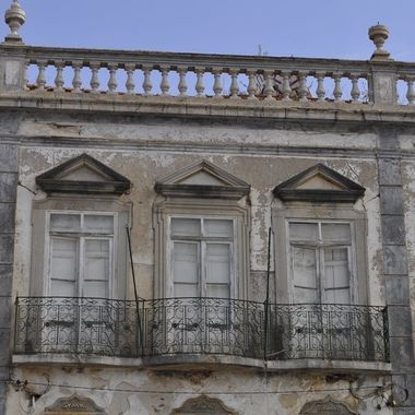 I loved the architecture of Tavira in Portugal on a recent trip, even the derelict has such elegance