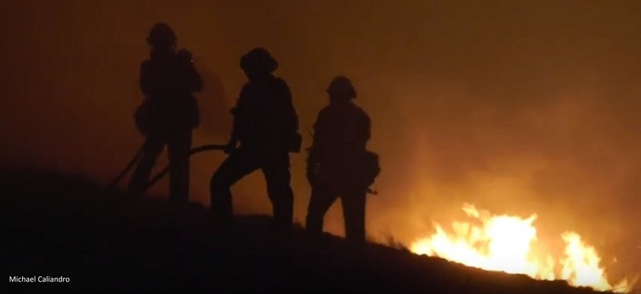 The Woolsey Canyon Fire in Los Angeles on Veterans Day November, 11, 2018 - Fire fighters trying ...