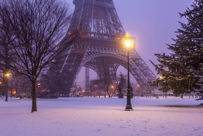 Eiffel Snow