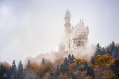 Autumn under Neuschwanstein
