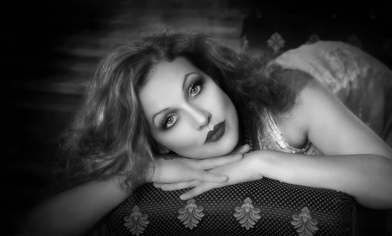 Trying to bring an old Hollywood feel. Using natural light from a window.