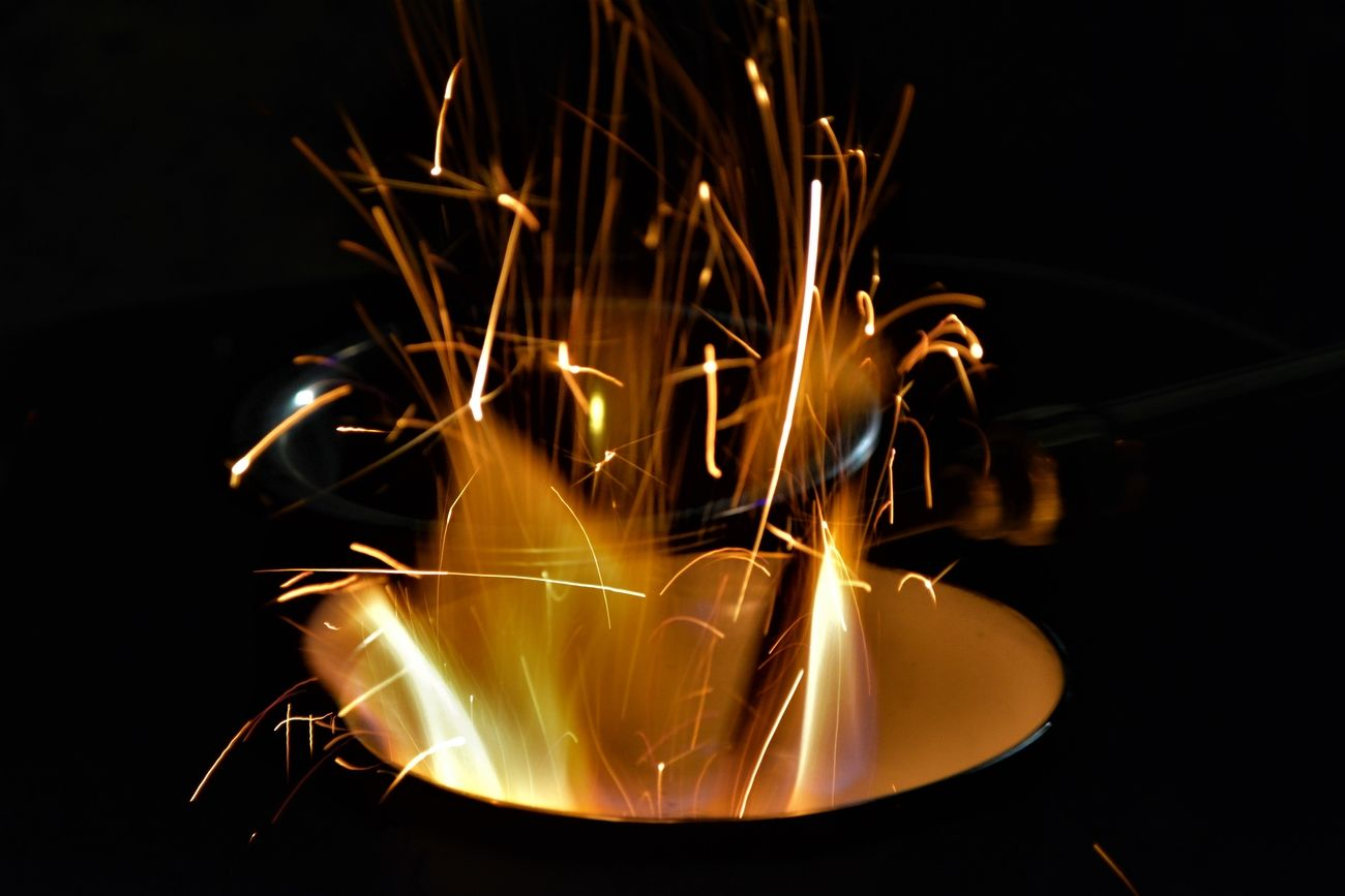DO NOT TRY THIS AT HOME! Smelting gold!