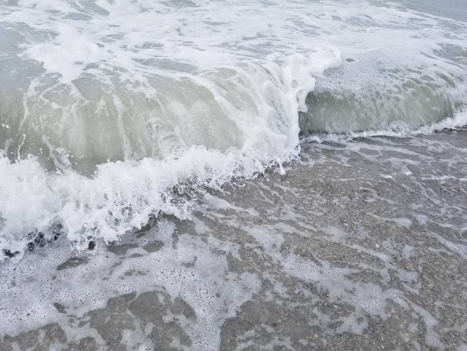 Rolling waves on Madeira Beach during Hurricane Michael