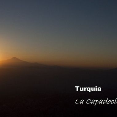 Salida del sol desde un globo en la Capadocia (Turquia)
