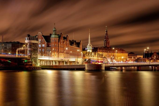 Nightlight by Kamstrup - Bright City Lights Photo Contest