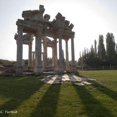 Restos de un templo del imperio Romano en Turkia
