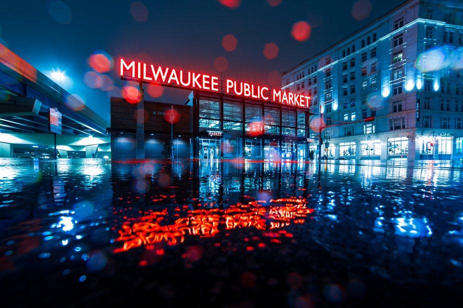 Milwaukee Public Market in sleet-2
