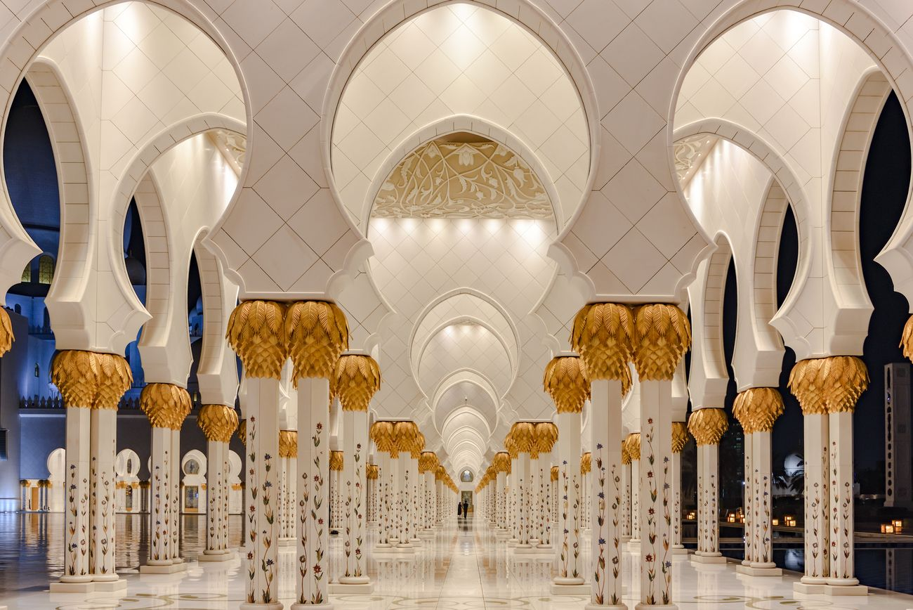 the famous mosque Sheikh Zayed Grand Mosque in Abu Dhabi