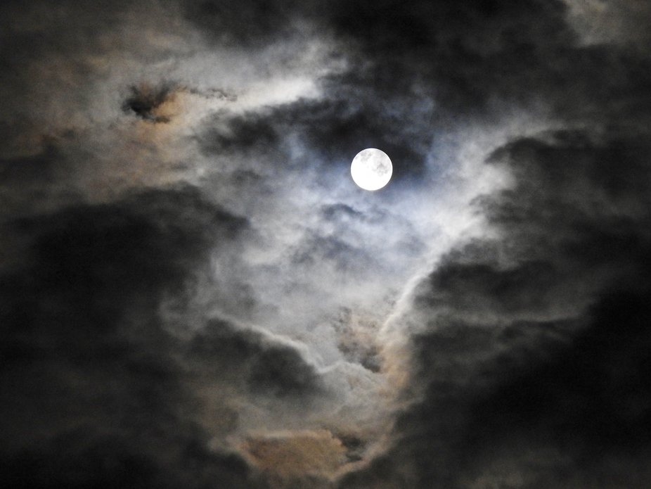 Clouded Moon-2