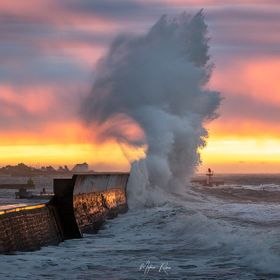 Storm in Brittany with huge waves and amazing light ...