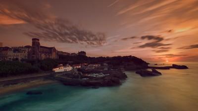 Beautiful sunset over Le Port des Pêcheurs.