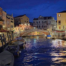 We're so fortunate to live in Italia, Veniza/Venice is just a short train ride from our home in Lucca.  We visit the city 3 to 4 times a yea...