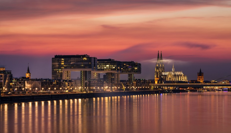 "Cologne after sunset,  view from ""Südbrücke"""
