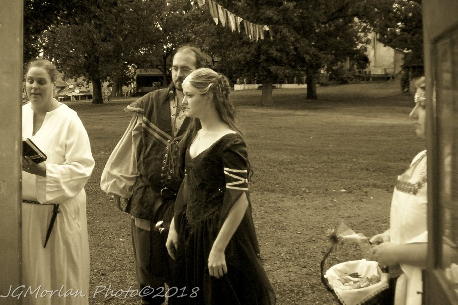 Sir Jonathan marries Lady Sara