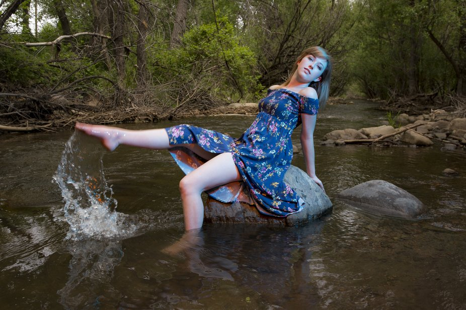 I love the subtlety of the gels in this image they are barely there and blend really well together as well as add a fun fun effect in the water coming off of her toe.
