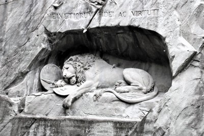 Helvetiorum Fidei AC Virtuti.JPG Lion Pass Lucerne