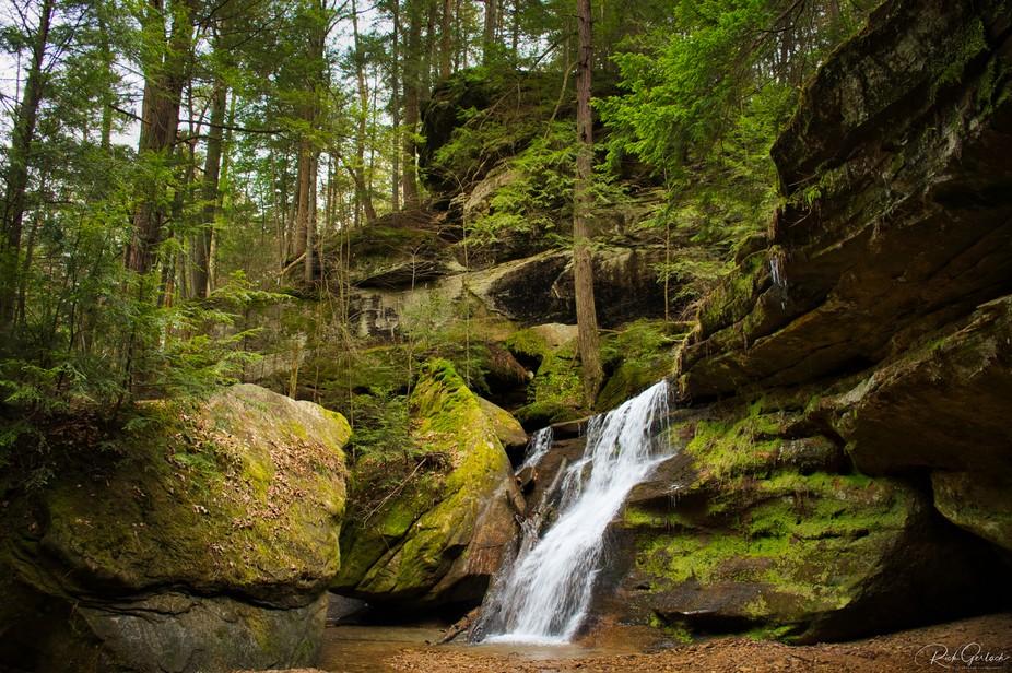 The small falls next to the Main Waterfall at Cedar Falls.