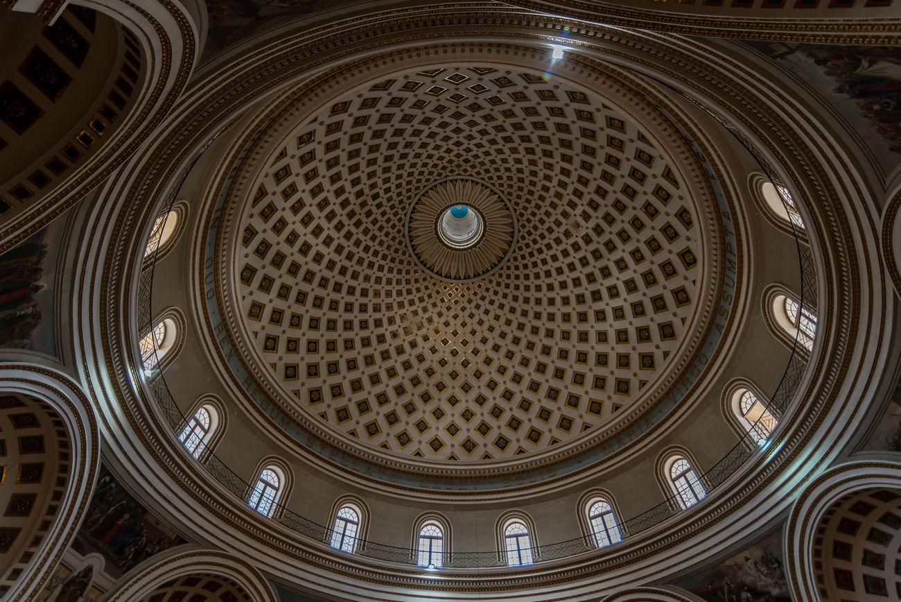 Mosta's dome