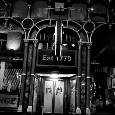 McDaids Pub