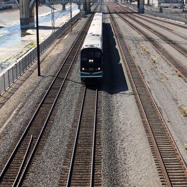 L A trains