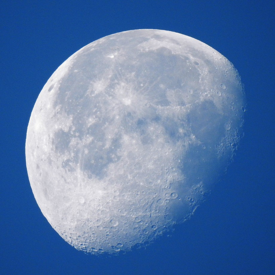 A deep blue morning sky presented me with this Moon set. The other side of the moon from moon rise also.