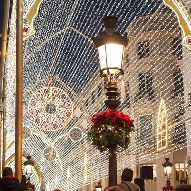Iluminacion nocturna en la Navidad de 2018 de la Calle Larios de la Ciudad de Malaga