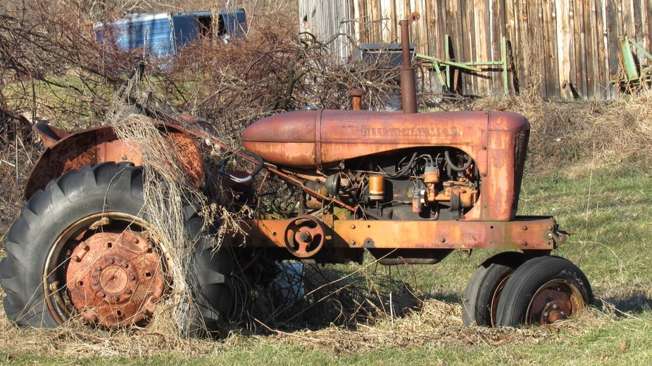 I Found this Tractor while site seeing in  the Country on back Roads
